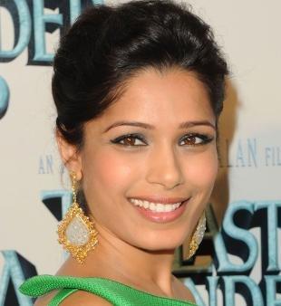 Легкий макияж для карих глаз, макияж для карих глаз под зеленое платье