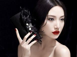 Макияж для брюнеток с красной помадой, умеренный восточный макияж для карих глаз