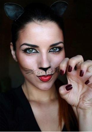 Креативный макияж, грим женщины-кошки на хэллоуин