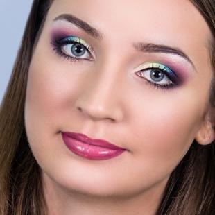 Свадебный макияж с фиолетовыми тенями, радужный летний макияж
