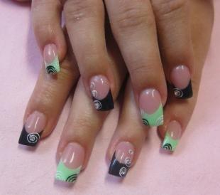 Черный френч, френч на длинные ногти в черно-зеленом цвете