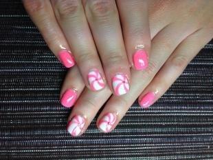 Дизайн ногтей для начинающих, розовый маникюр с простыми рисунками