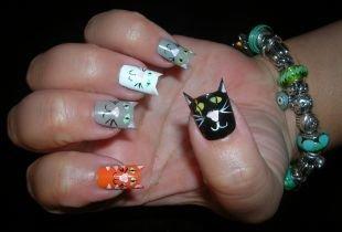 Рисунки на черных ногтях, маникюр с котами на ногтях