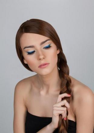 Идеальный макияж, медно-коричневый цвет волос