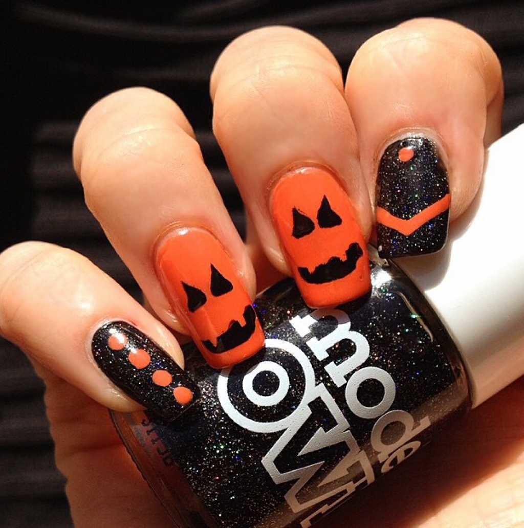 Оранжевый дизайн ногтей с рисунком цветка, пошаговые 36