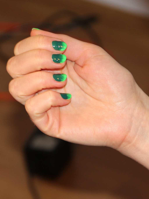 Маникюр с французский маникюр зеленым лаком фото