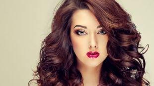 Вечерний макияж для нависшего века, макияж для девушек с ярким типом внешности
