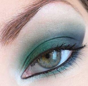 Яркий макияж для голубых глаз, восхитительный макияж для серо-голубых глаз голубыми тенями