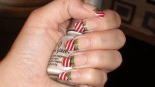 Красные ногти с рисунком, полосатый красно-белый френч на длинные квадратные ногти