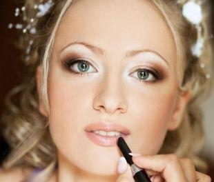 Коричневый макияж, свадебный макияж в светло-коричневых перламутровых тонах