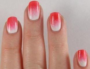 Рисунки на ногтях для начинающих, градиентный красно-белый маникюр