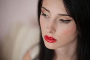 Макияж для брюнеток с серыми глазами, макияж для фотосессии с красной помадой