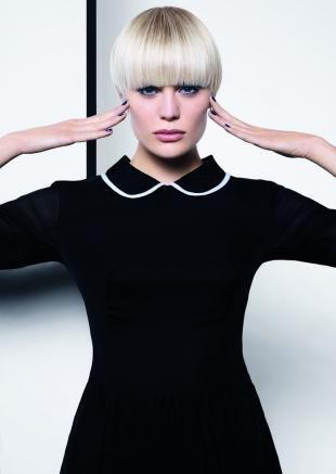 Белый цвет волос на короткие волосы, ультрамодная короткая стрижка для блондинок
