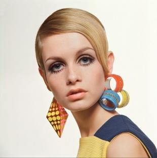 Цвет волос бежевый блондин на короткие волосы, короткая стрижка в стиле 60-х годов