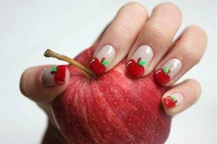 Рисунки на ногтях зубочисткой, френч в виде яблока
