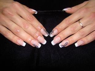 Рисунки на ногтях иголкой, белый френч с черным рисунком-узором