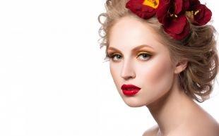 Вечерний макияж под красное платье, желтый макияж для серых глаз