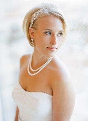 Праздничные прически на короткие волосы, изящная свадебная прическа на короткие волосы